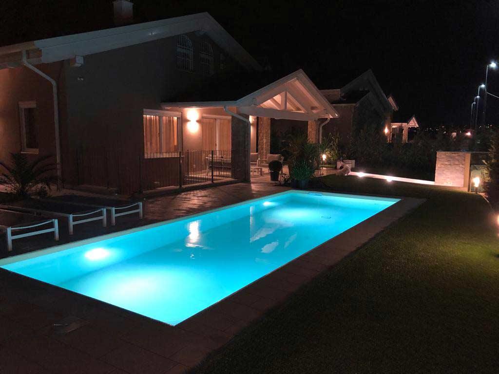 realizzazione villa con piscina peschiera del garda